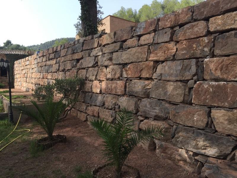 Muros de piedra natural foto de archivo modelo del fondo - Muros de piedra natural ...